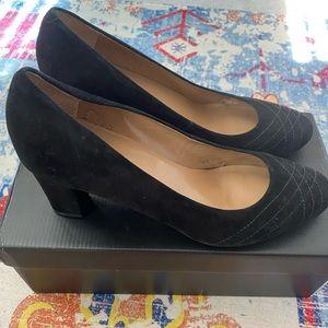 Talbots 8 1/2 B Suede Black Mid Heel Pumps Shoes w/Box